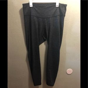 Old Navy XXL Gray/Black stripes active legging